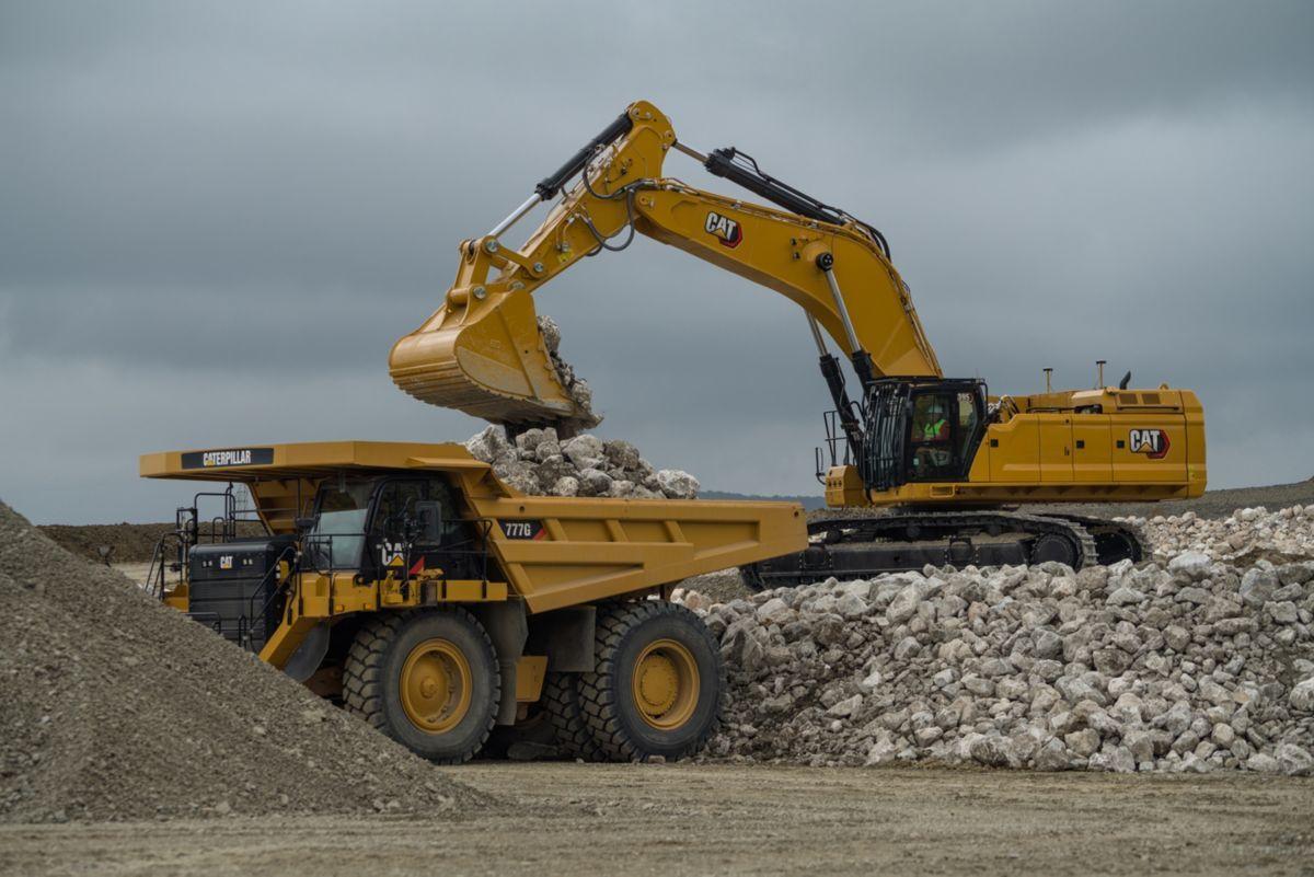 CAT 352 Excavator_1.jpg