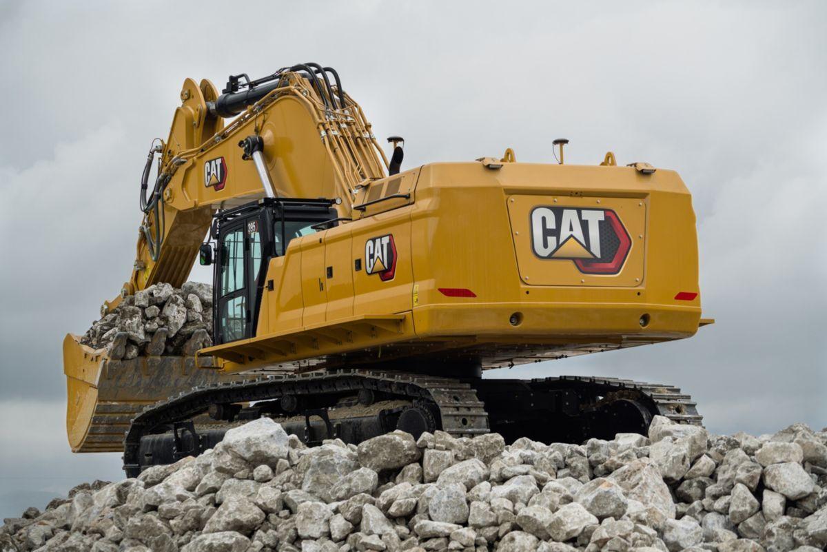 CAT 352 Excavator Back.jpg